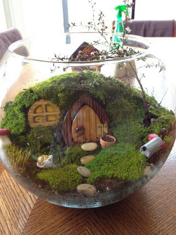 15 Best DIY Mini Terrarium Garden Projects And Ideas 27 1