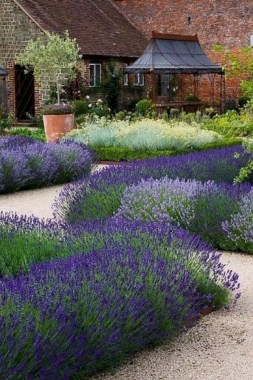 15 Inspiring Ways To Landscape With Shrubs 06