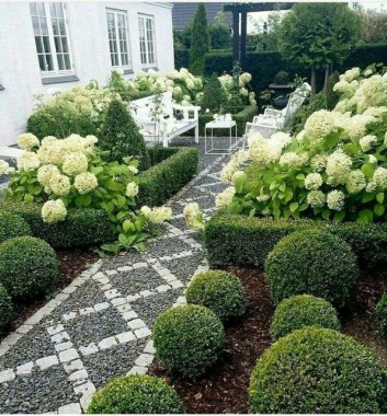 15 Inspiring Ways To Landscape With Shrubs 16