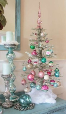 17 Vintage Christmas Decorating Ideas On A Budget 15
