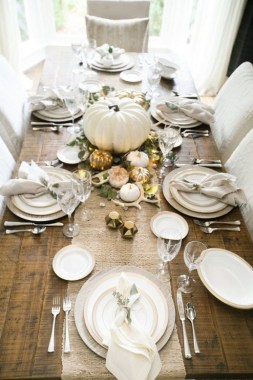 18 Beautiful DIY Thanksgiving Table Setting Design 17