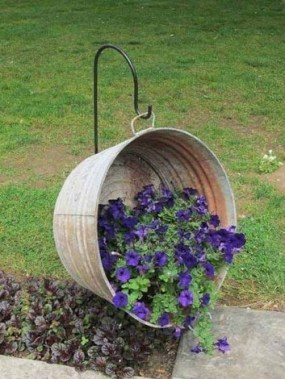 20 Special And Creative Garden Decoration Ideas 03
