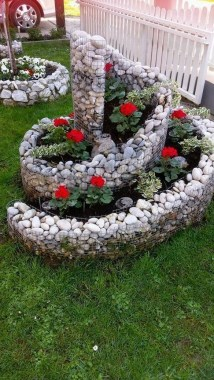 20 Special And Creative Garden Decoration Ideas 04