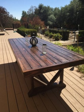 15 Classy DIY Wood Tables Ideas For Outdoor 16