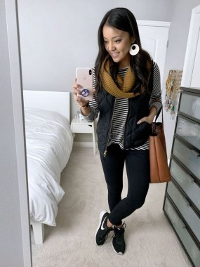 17 Hottest Winter Outfits Ideas With Scarf That Adds To Your Beauty 12