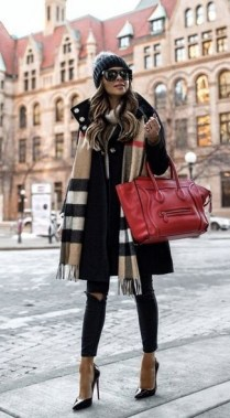 17 Hottest Winter Outfits Ideas With Scarf That Adds To Your Beauty 23