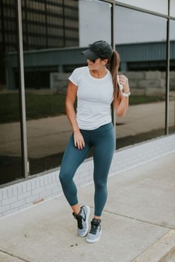 18 Fashionable Workout Outfit Ideas For Women In 2019 02