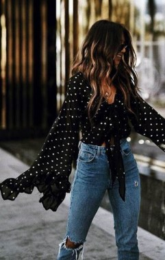 18 Lovely Street Style Outfit Ideas For Summer 22