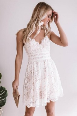20 Best Ideas To Wear A Lace Dress In Spring 36