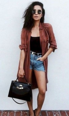 20 Classy Shorts Summer Outfit Ideas For Women 19