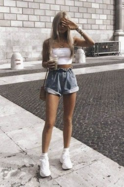 20 Classy Shorts Summer Outfit Ideas For Women 20