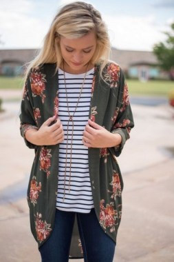 21 Best Ideas To Wear Floral On Spring 30