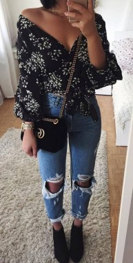 21 Best Ideas To Wear Floral 24