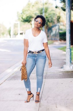 17 Amazing Ways To Wear A White Tee For Women 03