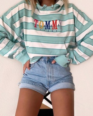 18 Cute Denim Short Ideas For Summer To Wear Right Now 13