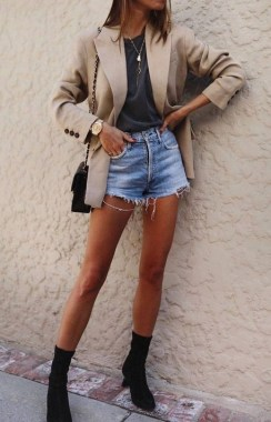 18 Cute Denim Short Ideas For Summer To Wear Right Now 20