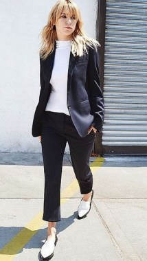 19 Simple Outfits To Inspire Your Own Sleek Look 22