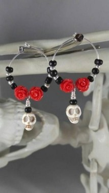 22 Beautiful Halloween Jewelry Ideas To Makes You Look Stunning 13