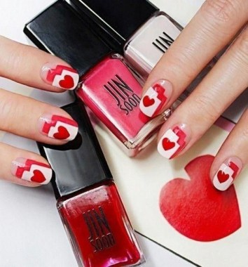 28 Free Valentine's Day Nail Ideas That We Are Not Tacky 2019 28