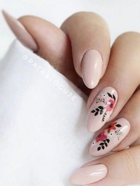 22 Cute Flower Nail Art To Try For The Spring 22