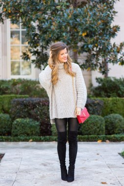 22 Ways To Combine Winter Boots And Sweaters 11