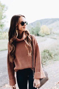 23 Top Crochet Fashion Share Their Go To Winter Styling Tips 18