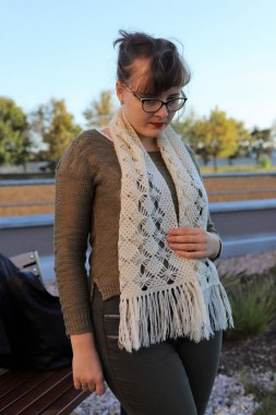 23 Ways To Wear Scarf For Thanksgiving And Christmas 10