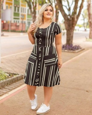 25 Vertical Striped Outfits For Plus Size Women Dos And Donts 17