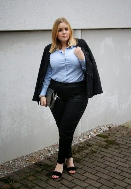 26 Awesome Dark Colour Outfit Ideas For Curvy Women 22