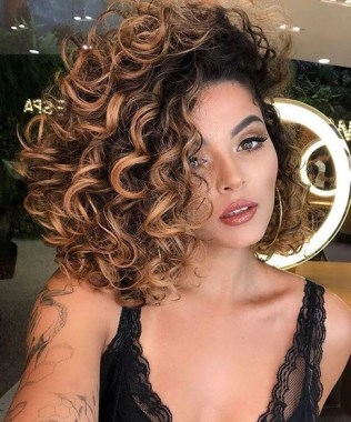 27 Grab That Elegance With Curly Hair Ideas Now 22
