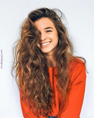 27 Grab That Elegance With Curly Hair Ideas Now 24