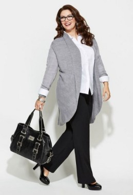 27 Winter Work Outfit Combinations For Plus Size Women 24