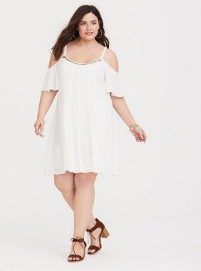 28 Rules To Choose The Best Dresses For Plus Size Women 23