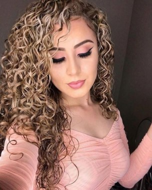 29 Beautiful Long Hairstyle With Highlight For Young Women 21