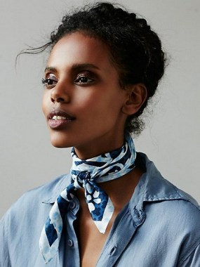 29 Do These To Style Your Fancy Silk Scarves 02