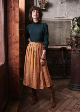 29 This Classy Skirt Is Your Best Choice For Work During Fall 01