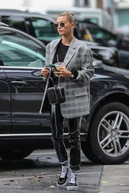 36 Winter Street Style Ideas Inspired By Celebrities 17