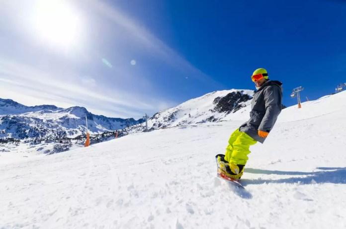 Esquiando con un Snowboard