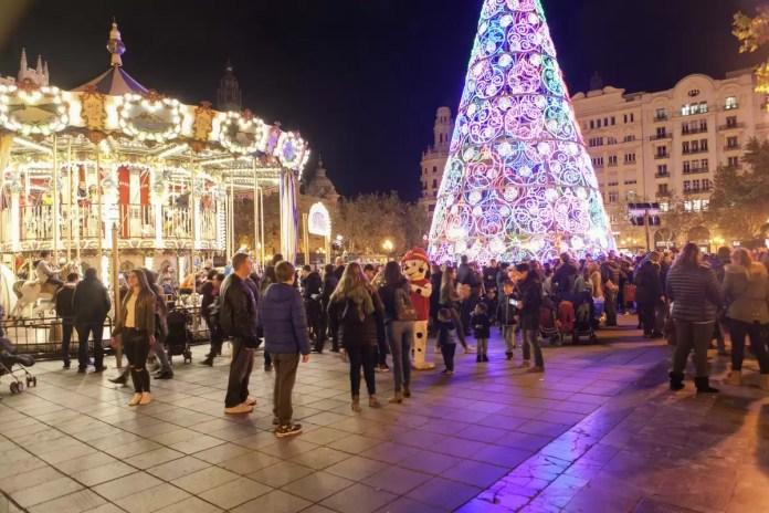 Tiovivo Navidad Plaza Ayuntamiento Valencia