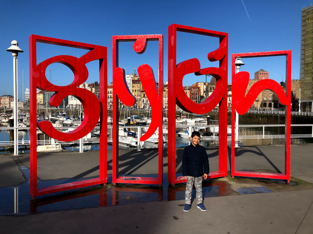 España con niños, Oriol en Gijon