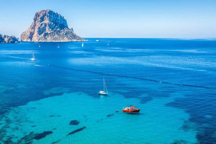 Razones para viajar a Ibiza este verano, Cala d'Hort