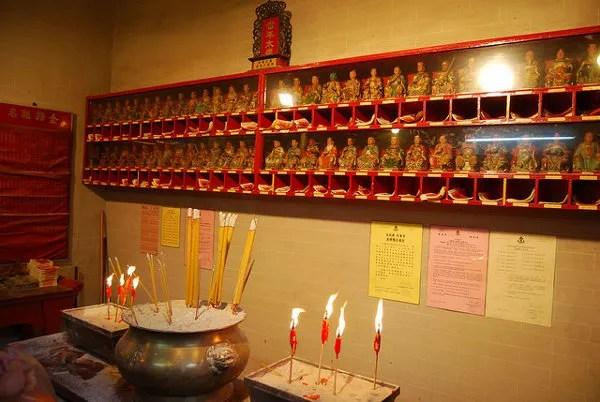 Altar de oración del Man Mo Temple