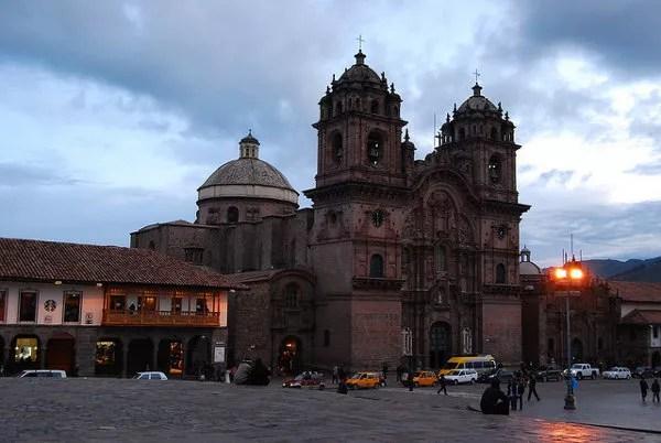 Atardecer sobre la Plaza de Armas del Cusco