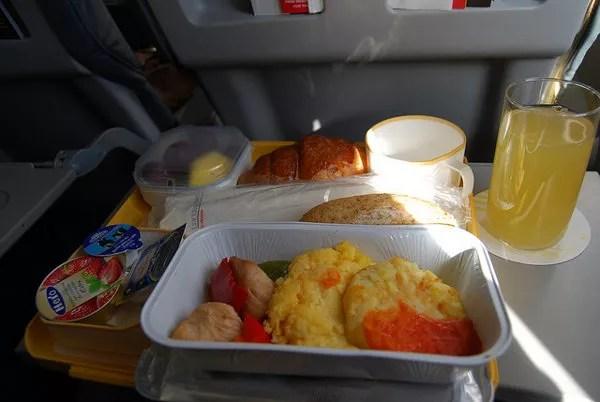 Desayuno del vuelo Alicante-Madrid de Iberia