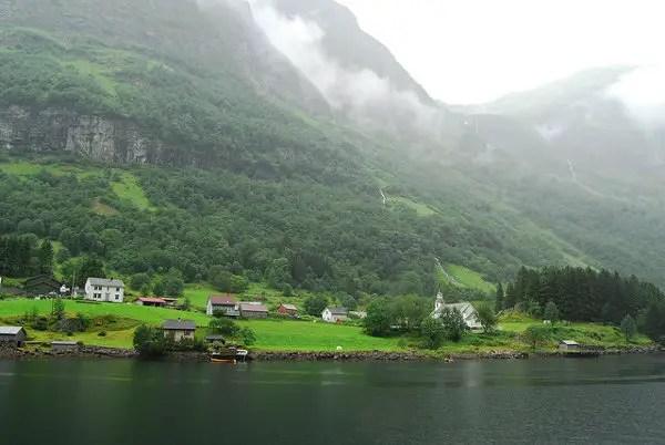 El paisaje de los fiordos noruegos