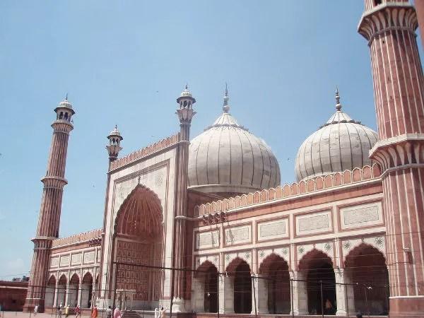 En el patio de Jama Masjid