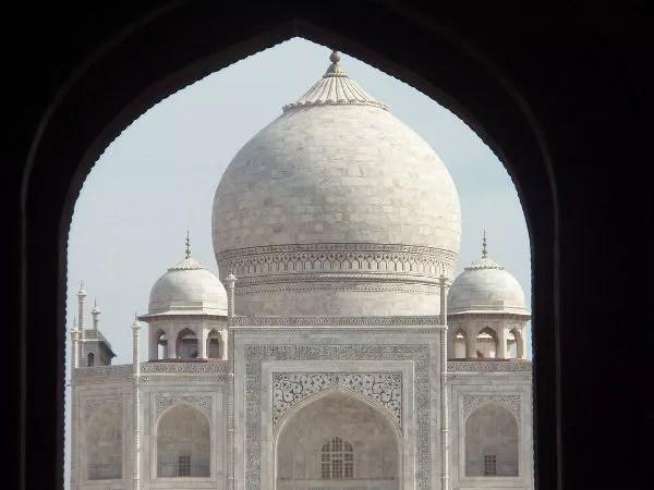 Entrando al recinto del Taj Mahal