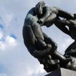 Escultura de bronce del parque de las estatuas de Oslo