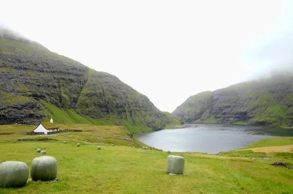 Fotos Islas Feroe, Saksun. Iglesia y lago