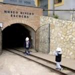 Fotos Museo Minero de Escucha, Teo y Oriol ante el pozo